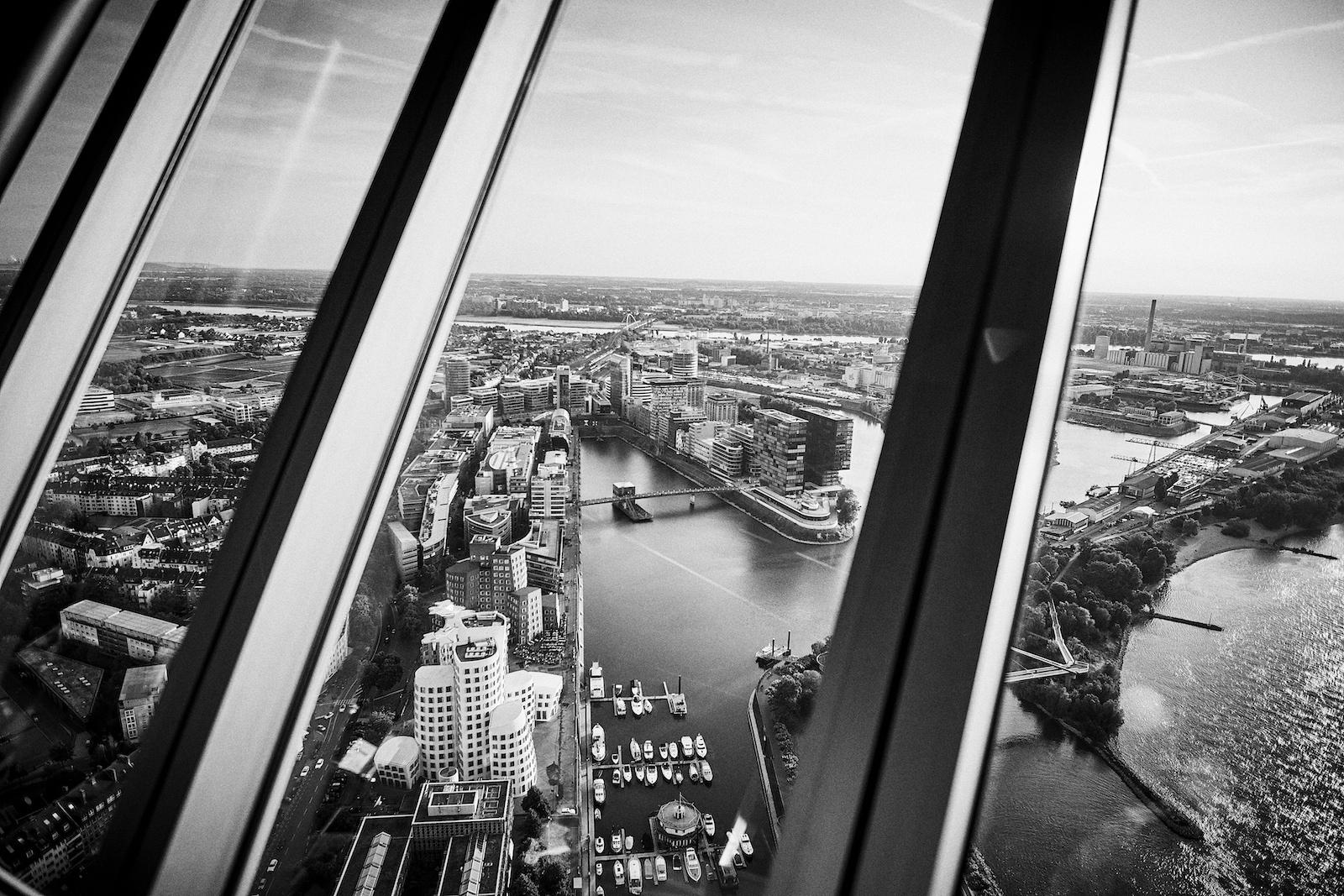 Cook & Cross ist eine Veranstaltung für Architekten und Immobilienbranche. 2019 auf 172,5 Meter fand die Veranstaltung im Fernsehturm Düsseldorf statt.